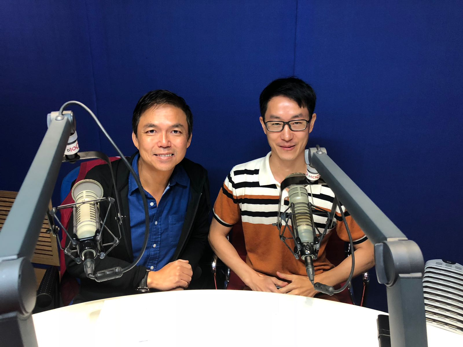Apr1018 D100_HK radio interview